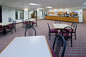 Restaurant - Holiday Inn Express Hotel & Suites Bad Axe