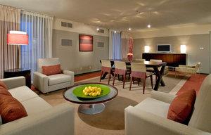 Suite - Crowne Plaza Chicago West Loop Hotel