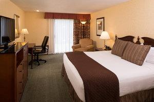 Room - Ruby River Hotel Spokane