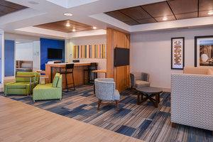 Lobby - Holiday Inn Express Hotel & Suites Urbana