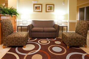Lobby - Holiday Inn Express Hotel & Suites Southeast Valdosta