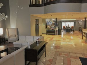 Lobby - Holiday Inn Express Hotel & Suites Laurinburg