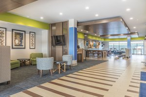 Lobby - Holiday Inn Express Hotel & Suites Clarion
