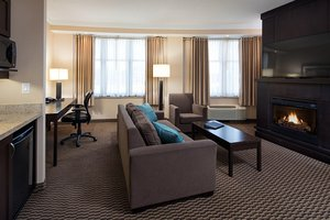 Suite - Delta Hotel by Marriott Guelph