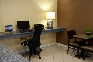 Lobby - Holiday Inn Express Hotel & Suites North Conway