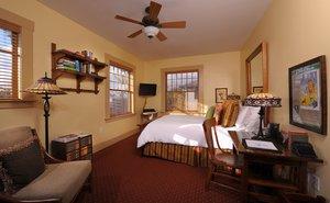 Room - 1906 Lodge Coronado