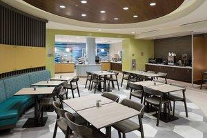 Restaurant - SpringHill Suites by Marriott SeaWorld Orlando