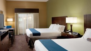 Room - Holiday Inn Express Hotel & Suites Saginaw