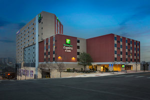 Exterior view - Holiday Inn Express Hotel & Suites Downtown Austin