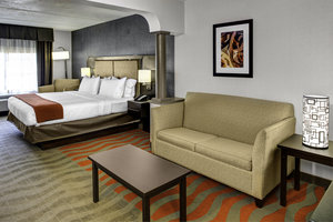 Room - Holiday Inn Express Hotel & Suites Pittsburgh