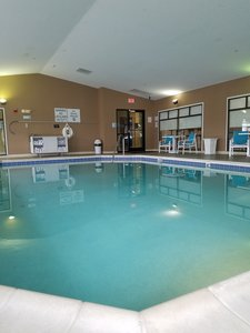 Pool - Holiday Inn Express Hotel & Suites Kingsport