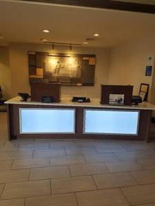 Lobby - Holiday Inn Express Hotel & Suites Kingsport