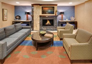 Lobby - Holiday Inn Express Hotel & Suites Grand Island