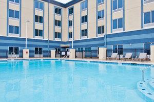 Pool - Holiday Inn Express Hotel & Suites Warner Robins