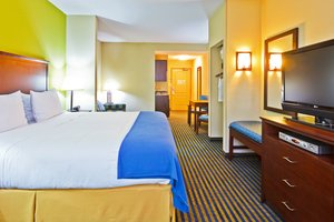 Suite - Holiday Inn Express Hotel & Suites Ooltewah