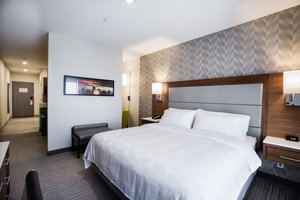 Room - Holiday Inn & Suites Conference Centre South Calgary