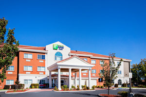 Exterior view - Holiday Inn Express Southwest Oroville