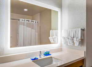 - Holiday Inn Express Southwest Oroville
