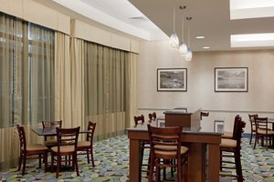 Restaurant - Holiday Inn Express Hotel & Suites Plainville