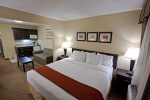 Room - Holiday Inn Express Hotel & Suites Plymouth