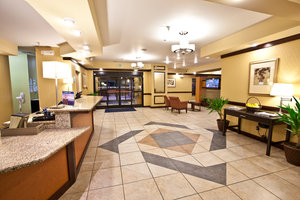 Lobby - Holiday Inn Express Hotel & Suites Plymouth