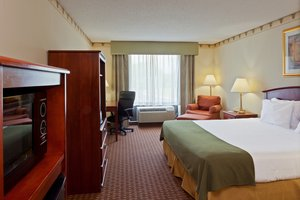 Room - Holiday Inn Express Hotel & Suites North East