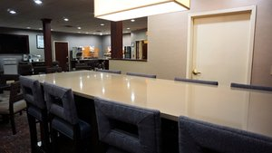 Restaurant - Holiday Inn Express Hotel & Suites New Milford
