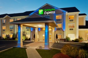 Exterior view - Holiday Inn Express Hotel & Suites New Milford