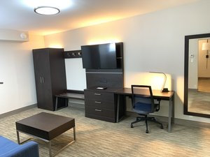 Suite - Holiday Inn Express Hotel & Suites North Allentown