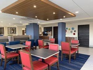 Restaurant - Holiday Inn Express Hotel & Suites North Allentown