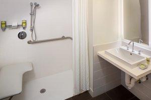 - Element Miami Airport Hotel