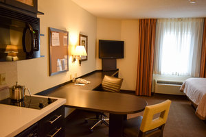 Room - Candlewood Suites Airport Wichita