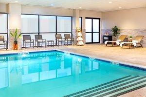Pool - Crowne Plaza Hotel Woburn