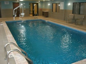 Pool - Holiday Inn Express Hotel & Suites Uniontown