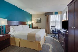 Room - Holiday Inn Express Camp Springs