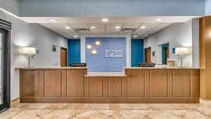 Lobby - Holiday Inn Express Hotel & Suites Wolfforth