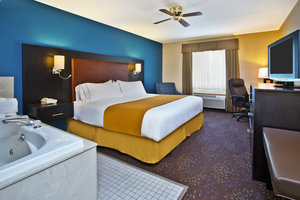 Suite - Holiday Inn Express Mackinaw City