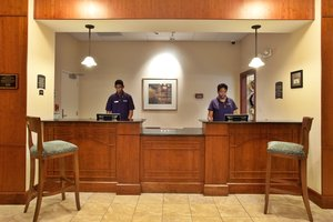 Lobby - Staybridge Suites Baton Rouge