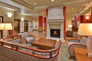 Lobby - Holiday Inn Hotel & Suites North Bakersfield