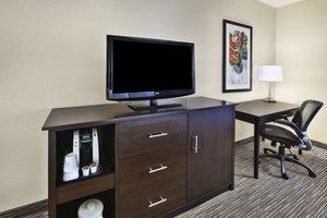 - Holiday Inn Express Warren