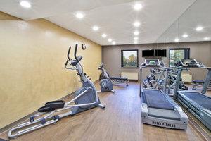 Fitness/ Exercise Room - Holiday Inn Express Warren