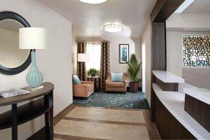 Lobby - Candlewood Suites Lenexa