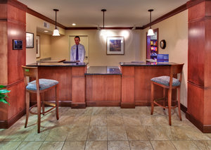 Lobby - Staybridge Suites Davenport