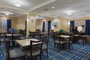 Lobby - Holiday Inn Express Hotel & Suites Fort Pierce