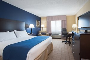 Room - Holiday Inn Express Hotel & Suites Fort Pierce