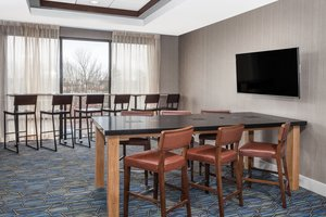 Lobby - Holiday Inn Express Hotel & Suites South Portland