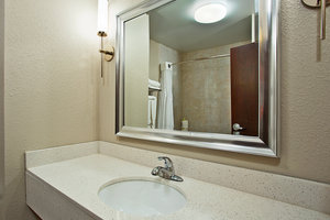 - Holiday Inn Express Hotel & Suites Springfield