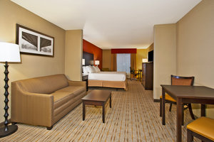 Suite - Holiday Inn Express Hotel & Suites Springfield