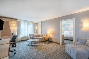 Suite - Courtyard by Marriott Hotel Wilkes-Barre