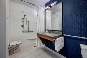 Room - Fairfield Inn & Suites by Marriott East Kelowna
